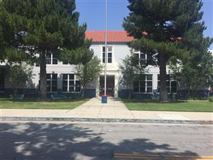Photo of the main building entrance of George Washington Elementary