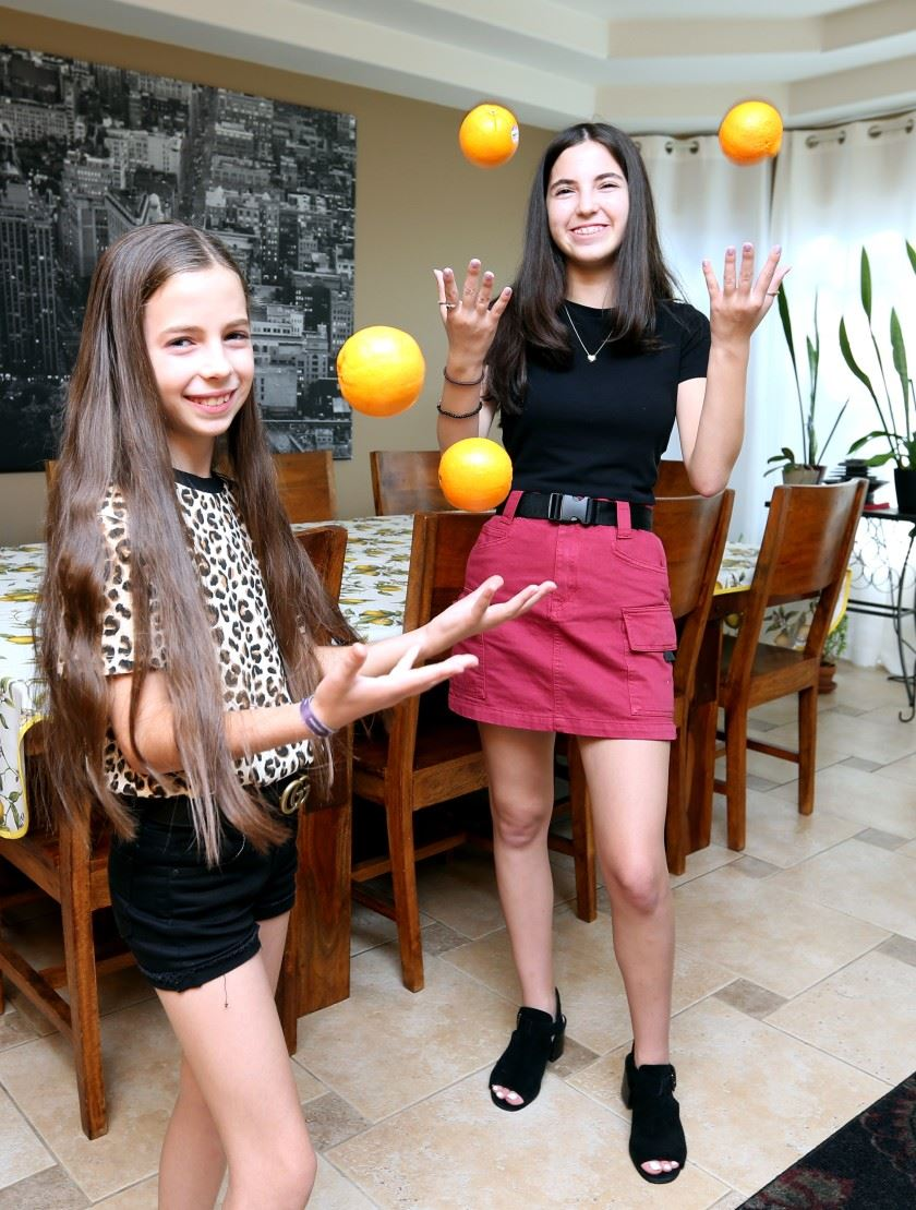 Taylor Sinovoi, JBHS student, and her sister start a food blog and get featured in the Burbank Leader!